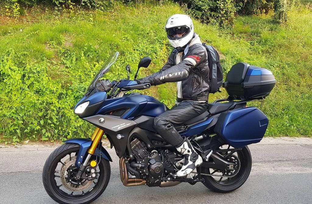 Corentin à moto